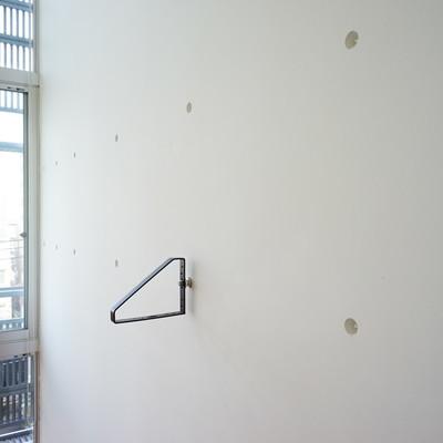壁にはネジ切りされているので、アレンジ可能。