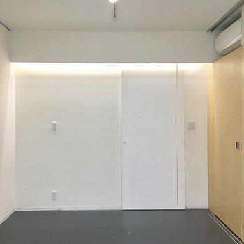 【洋室】照明が素敵ですね〜※写真は前回募集時のものです