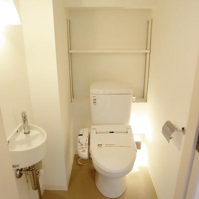 オシャレすぎるおトイレ様※写真は3階の同間取り別部屋のものです