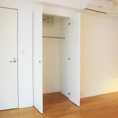 クロゼットは少し小さいかな?※写真は3階の同間取り別部屋のものです