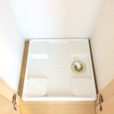 洗濯機置場は洋室にあります ※写真は前回募集時のものです