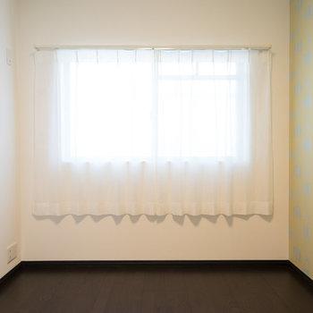 3.8帖の寝室も明るいですね♪※写真は1階の同間取り別部屋のものです。