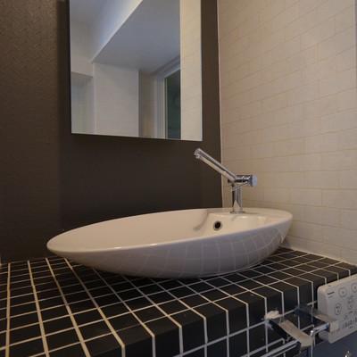 洗面台もオシャレなデザイン。