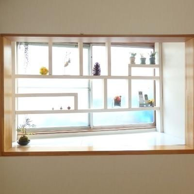 1階の窓際にはディスプレイコーナーが!お好きにどうぞ★