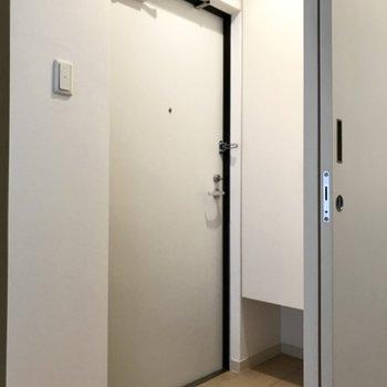 玄関周りはすっきり使えますね◎