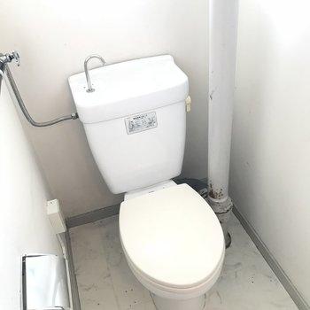 トイレはウォシュレット付いていません、、、