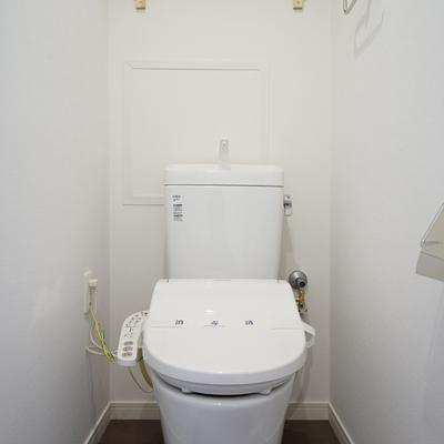トイレは新品でウォシュレット付き!
