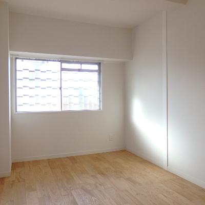 6帖の寝室。 ※写真は前回工事した同じ間取りのお部屋