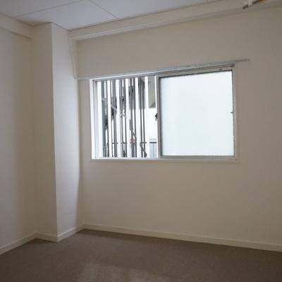 5.2帖洋室:ここはカーペット敷