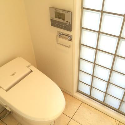 トイレは2階と3階にあります