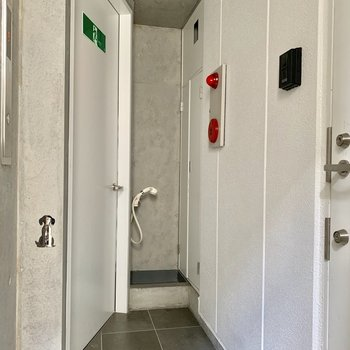 自分専用のエレベーターホール!なんとペット用の洗い場もあります!