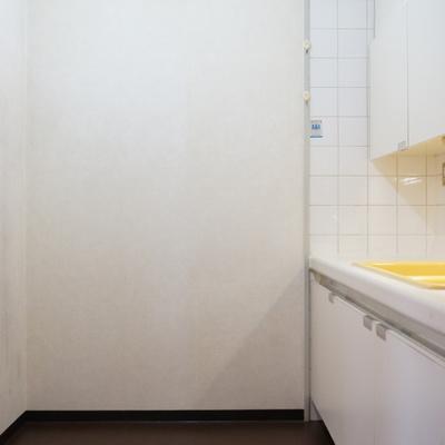 キッチンの背面幅はこんな感じ