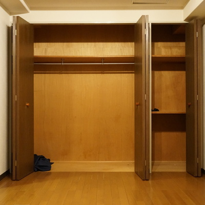 8帖:一番のお洋服もちさんがこの部屋に決まり!