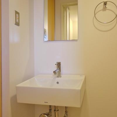 こちらが洗面。※写真は前回募集時のもの。