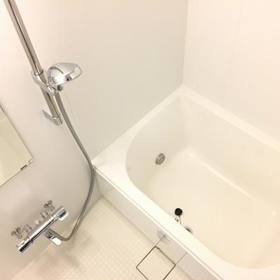 お風呂、バスタブはそこまで大きくないです※写真は前回募集時のものです