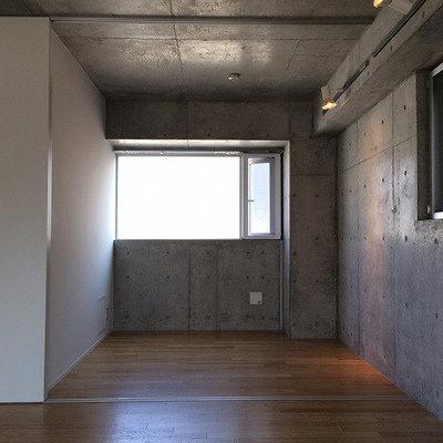 二面採光です※写真は5階の同間取り別部屋のものです