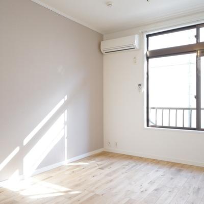 無垢床の日差しでほっこりする空間です◎※写真は前回募集時のもの