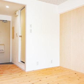 ちょっと進んで、※写真は3階の同間取り別部屋のものです