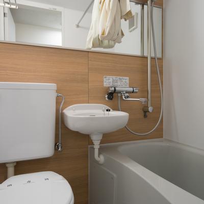 お風呂は3点ユニットを新しく※写真はイメージ