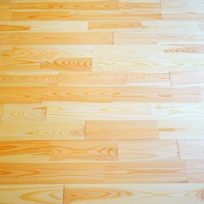 やわらかい質感が特徴のパインの無垢床※写真はイメージです