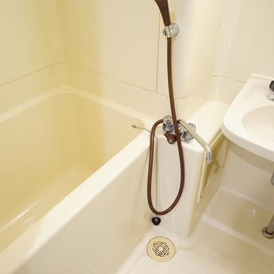 お風呂は既存ですが綺麗に。※写真は前回募集時のものです