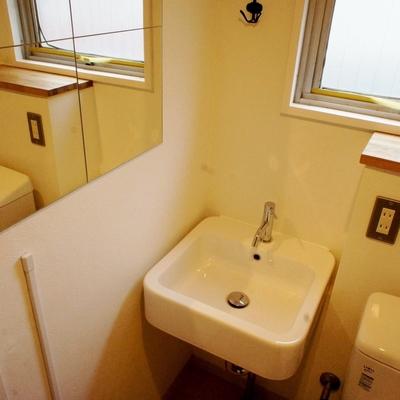洗面台の横に、 ※写真は前回募集時のものです