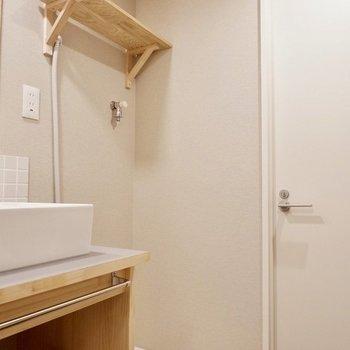 洗濯機置き場もあり、動線良いですよ。