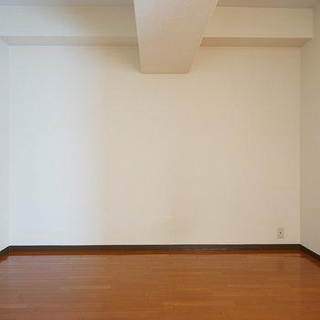 7帖の洋室はこちら。