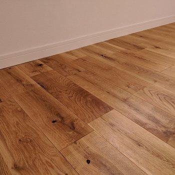さらさらとした無垢床が家族の笑顔のもとに!