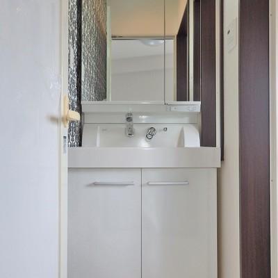 洗面台はシンプル。 ※写真は前回募集時のもの