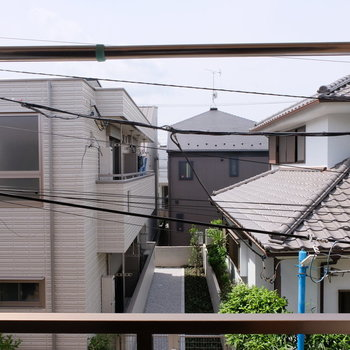 でも眺望は住宅街の静かな風景