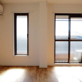 窓が多い明るいお部屋◎