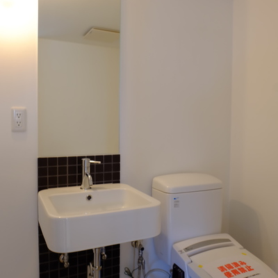 脱衣スペースにトイレです
