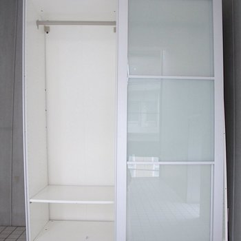 収納はスライド式※写真は3階の同間取り別部屋のものです。