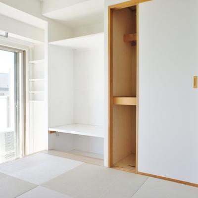 和室にも収納。※写真は前回募集時のお部屋です。