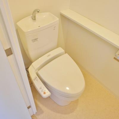 トイレも個室です!!※写真は前回募集時のお部屋です。