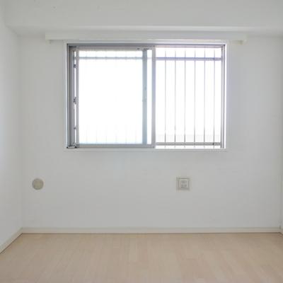 北側のお部屋。ここは寝室に。※写真は前回募集時のお部屋です。