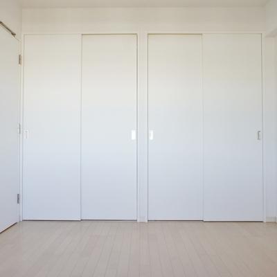 寝室の収納。※写真は前回募集時のお部屋です。