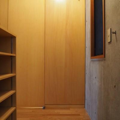 玄関はこんな感じ。靴箱も動かせます!