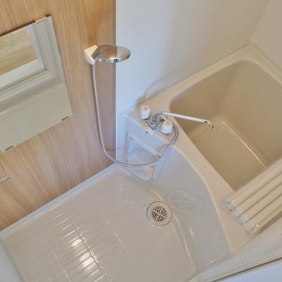 お風呂はだいぶコンパクト※写真は前回募集時のものです