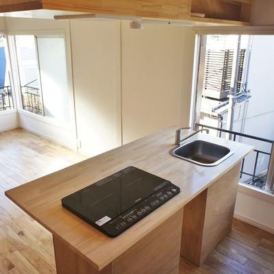良い感じのキッチン。カウンターとしても※写真は前回募集時のものです