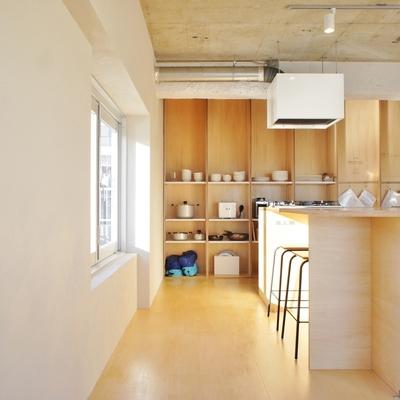 キッチン裏も素敵な見せる収納※こちらはシェアキッチンのお部屋です