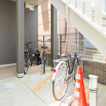 階段下の駐輪スペース