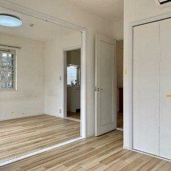 【5帖】全部の扉を開けると、また雰囲気が変わりますね※写真はクリーニング前のものです