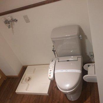トイレと洗濯パンは脱衣所にあります。