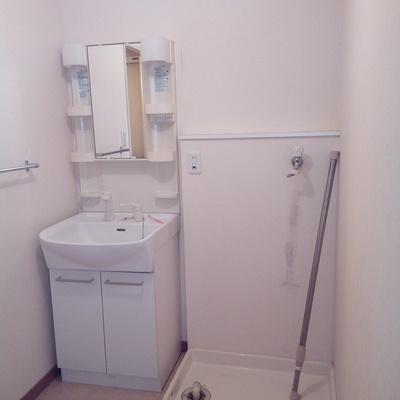 【工事前】洗面台はキレイだったので、そのまま使用中