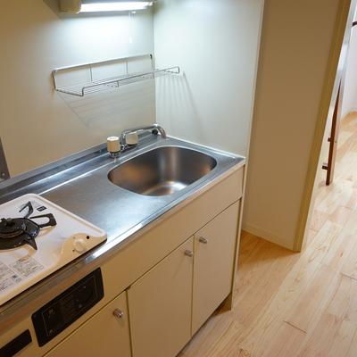 キッチンは1口ガスでゆったり◎※写真は前回募集時のものです
