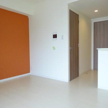 この色にマッチするのは何色なんだ?※写真は6階の同間取り別部屋のものです