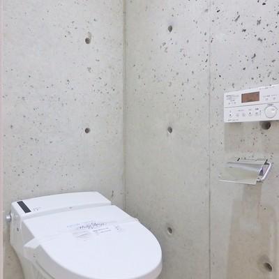 コンクリ壁のトイレはかっこいい!