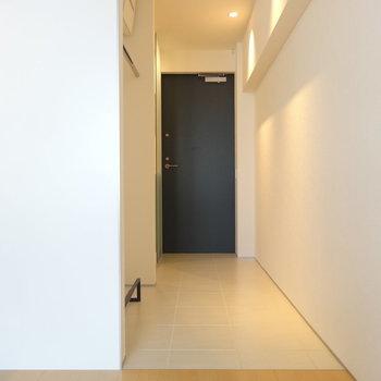 玄関前には土間が広がります※写真は3階の同間取り別部屋のものです